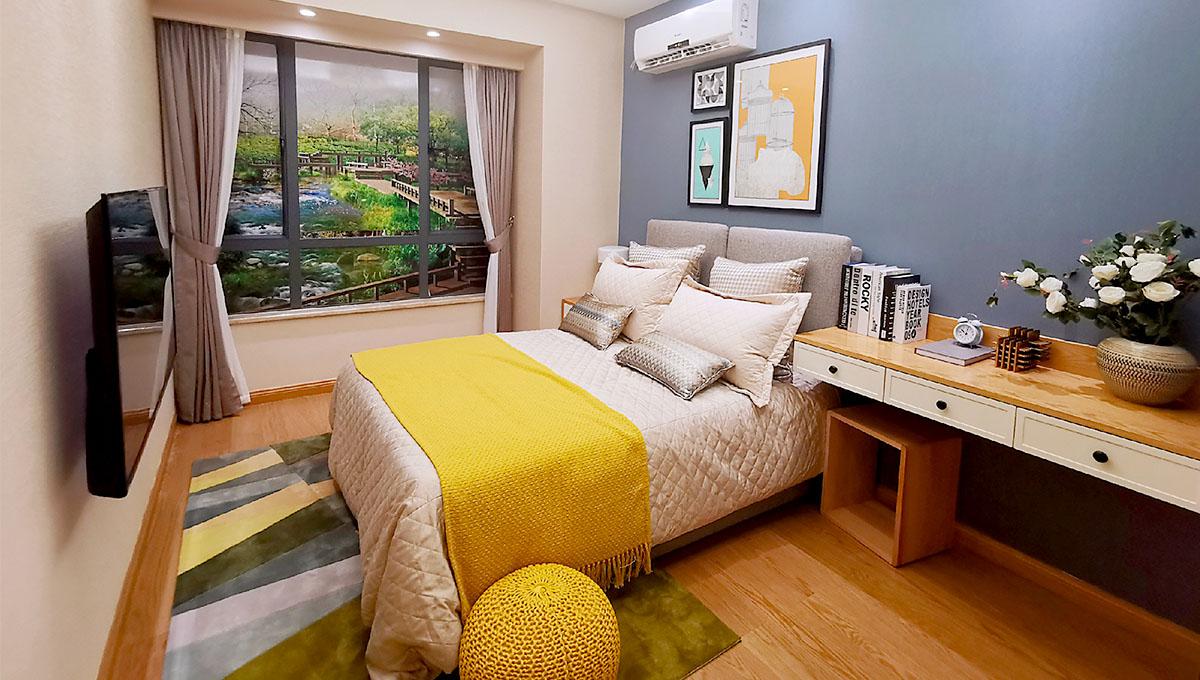 R&F Condo bedroom